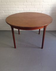 Table scandinave ronde broc limoges