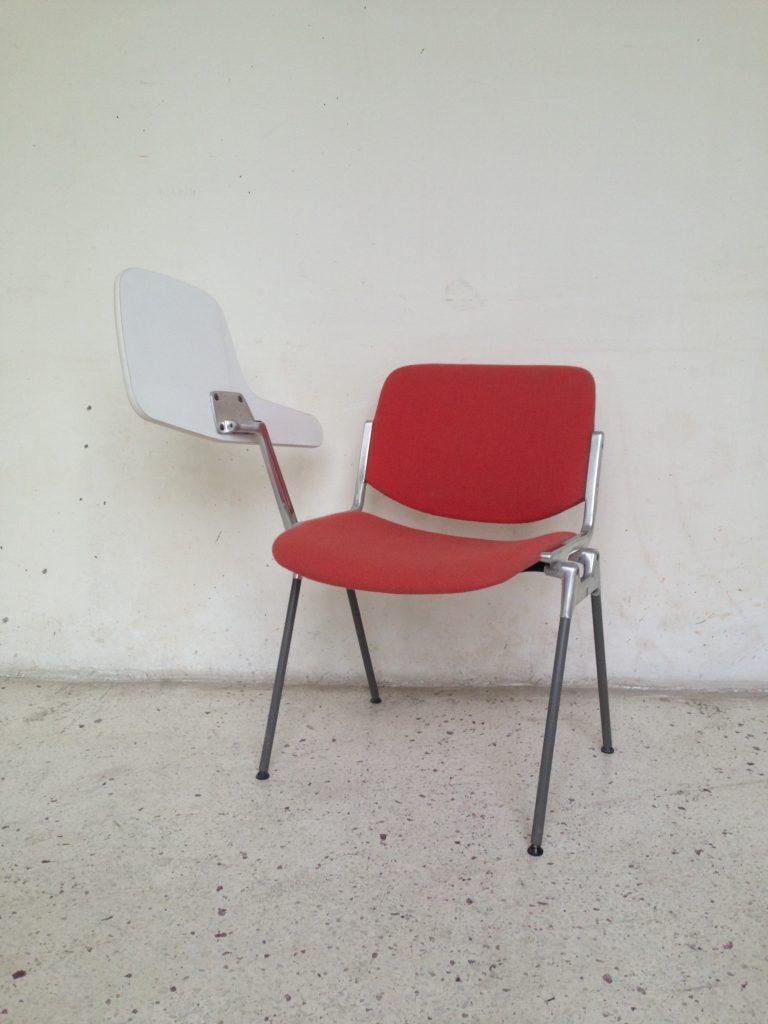 modèle Dsc 106 par CASTELLI design Giancarlo Piretti