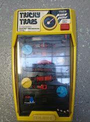 jeu tomy tricky traps