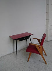 table formica plateau rouge avec assise