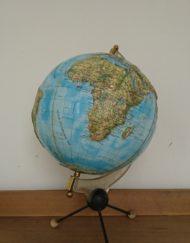 globe terrestre relief tripode RICO années 60 mr hattimer brocante vintage limoges