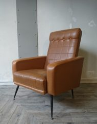 fauteuil marron skaï années 60 mr hattimer brocante vintage limoges