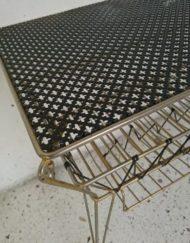 Desserte range vinyle métal dorée noir perforée mathieu matégot roulettes années 60 mr hattimer brocante vintage limoges