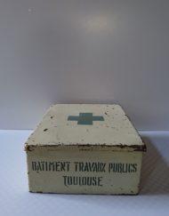 Boite secours métal btp toulouse mr hattimer brocante vintage limoges