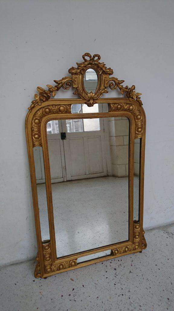 miroir doré parecloses décor rocaille fleur et feuillage stuc bois mr hattimer brocante vintage limoges