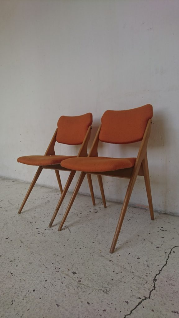 chaises gerard guermonprez edition rene godfrit hetre massif toile orange rouille potiron mr hattimer brocante vintage limoges