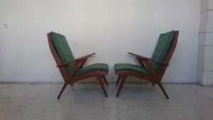 Fauteuils années 60 bois massif tissus mr hattimer brocante vintage limoges