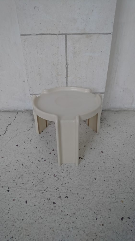Table basse d'appoint giotto stoppino kartell italie mr hattimer brocante vintage limoges