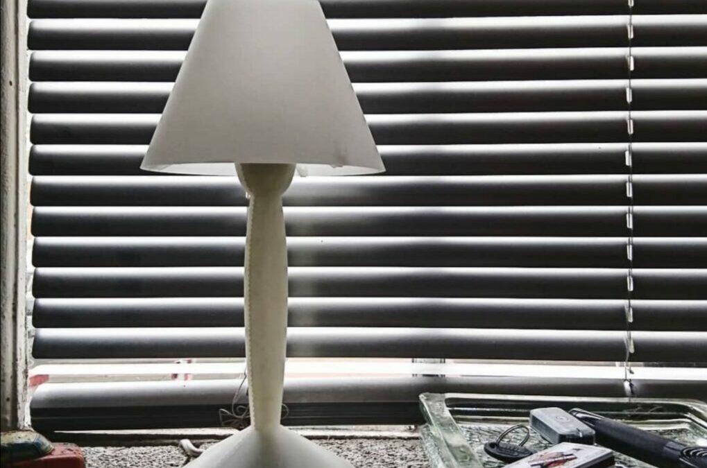 Lampe Flos modèle Miss Sissi blanche